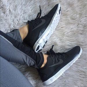Nike Shoes - 💥💥SALE!!! 💥💥 Women's Nike Free 5.0