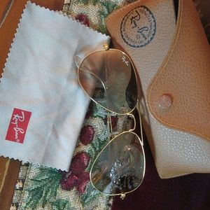 Ray-Ban Accessories - RAY-BAN GOLD METAL LARGE AVIATOR FRAME SUNGLASSES