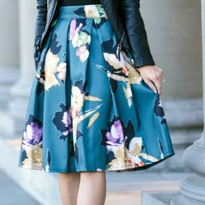 Chicwish Dresses & Skirts - NWT Floral Pleated Skirt