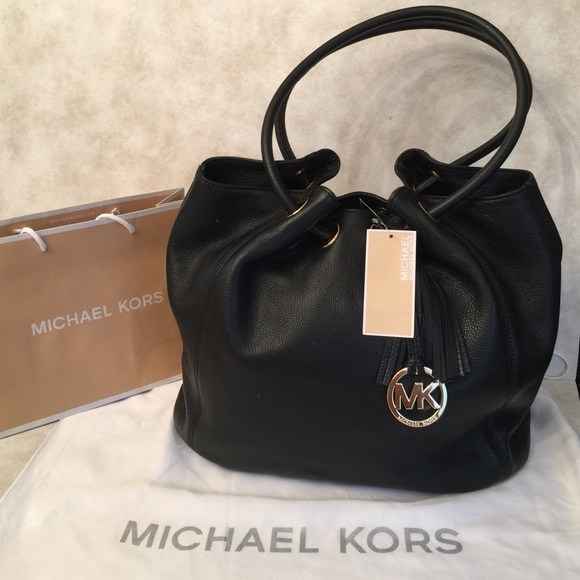 05bac906b9de SALE✨Michael Kors Leather Ring Tote Bag. M_58de994c2de512a87700f59a