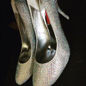8979a32368fd BORDELLO Shoes - NIB Silver Iridescent Rhinestone Pumps sz9
