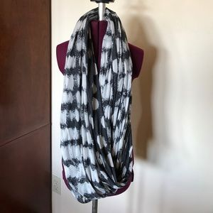 lululemon athletica Accessories - Lululemon Om Your Heart Out  Infinity Scarf