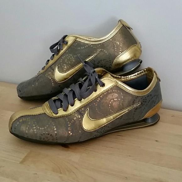 le scarpe nike shox edizione limitata poshmark