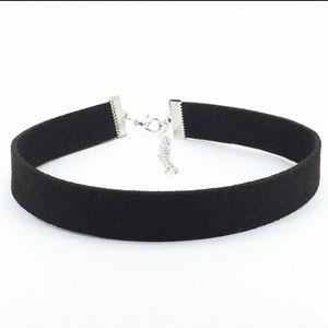 Jewelry - NEW Black Velvet Choker