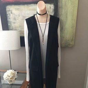 Merona Jackets & Blazers - Sleeveless lined jacket!