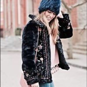NWT Zara embroidered faux fur jacket soft in s