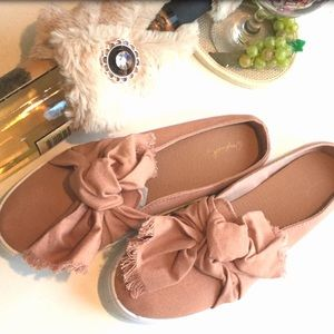 Shoes - Dark Blush canvas flop slide 5.5, 6