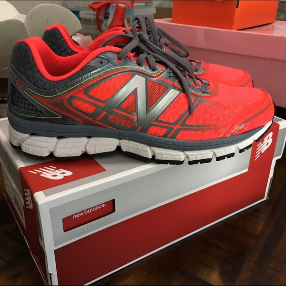 quality design 1a470 993af Mens New Balance 860 running shoes 9.5