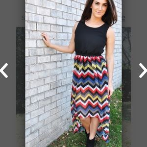 Dresses & Skirts - Open back chevron maxi dress