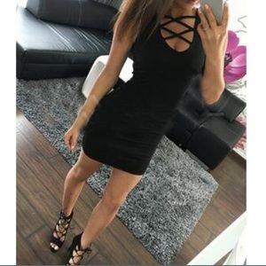 Dresses & Skirts - 🆕Black Strappy Dress