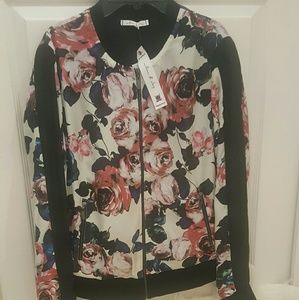 Willow & Clay Jackets & Blazers - NWT* Willow & Clay Lightweight Floral Jacket*
