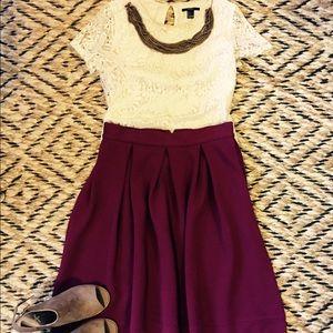 Closet Dresses & Skirts - EUC Beautiful Maroon Full Skirt w/ exposed zipper