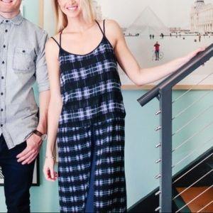 Whitney Eve Dresses & Skirts - Whitney Eve midi plaid layer dress