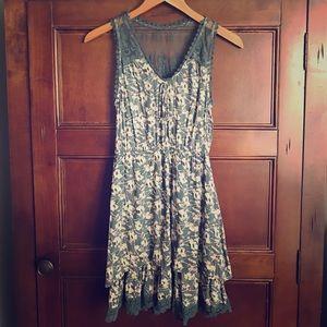 Blue Bird Dresses & Skirts - Blue Bird floral and lace dress