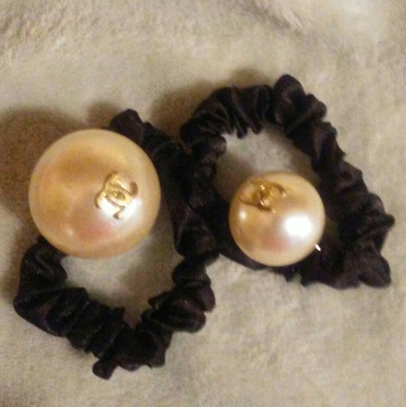 CHANEL Accessories - Chanel Pearl Hair Scrunchies bb16a948126
