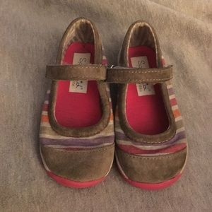 Stride Rite Other - Grey stripe mary janes