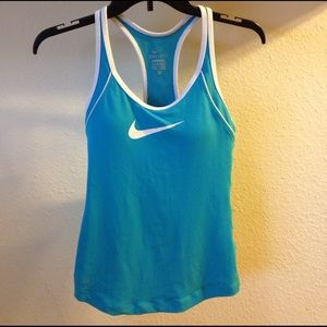 NIKE RACER BACK WORKOUT TOP