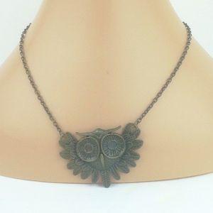 Jewelry - Bronze owl 🦉 necklace