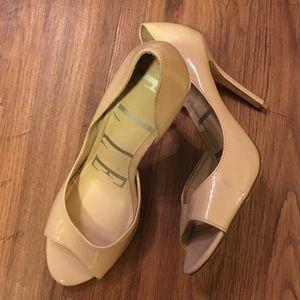 Elle Shoes - Elle Nude Patent Heels - Sz 8.5 M