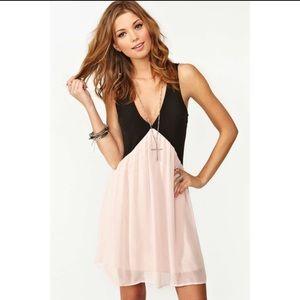 Nasty Gal Dresses & Skirts - Nasty Gal Trapeze Dress