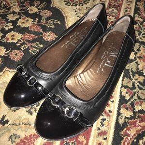 AGL Shoes - AGL patent/leather flats EUC