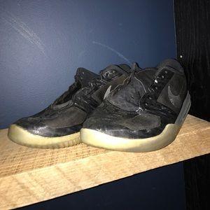 40adb8ba4aab Grailed sneakers s Closet ( riversgore21)
