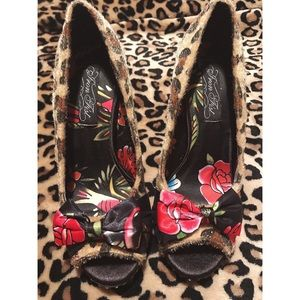 Iron Fist Shoes - Iron fist leopard pinup heel.