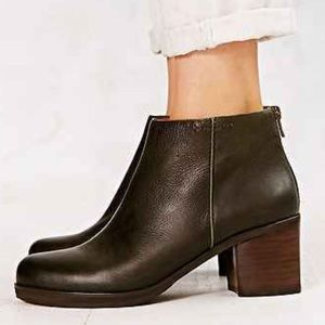 Kenneth Cole Shoes - Gentle Souls Darcy Boot