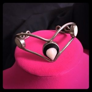 Jewelry - VTG Silver MOP Cuff
