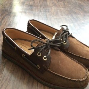 Brown Sperry Gold Cup