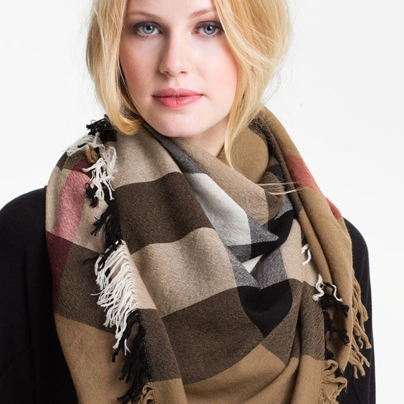 Burberry Accessories - Burberry Square House Check Merino Wool Scarf Sz.L 7cce3c2286