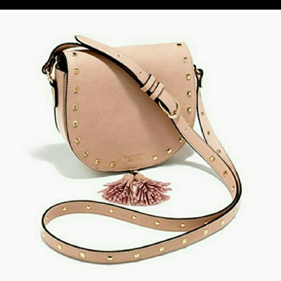 233796ba4f2d9 🎉FREE Victoria's Secret crossbody w/$75 purchase NWT