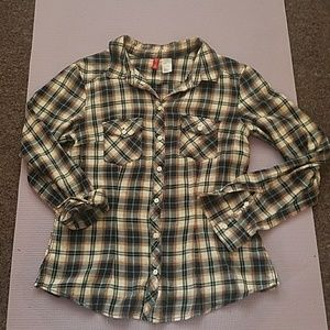 Divided Tops - Flannel shirt