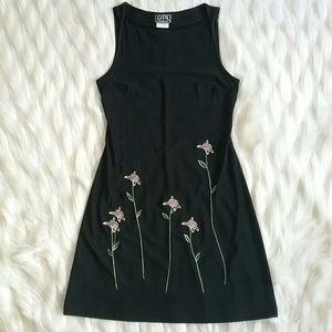 City Triangles Dresses & Skirts - City triangles sleeveless dress w/ flowers