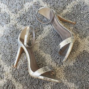Cathy Jean Shoes - NWOT Cathy Jean silver snake heels