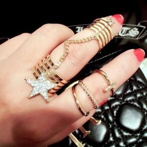 Jewelry - 2pcs Rings Set Star with Rhinestone