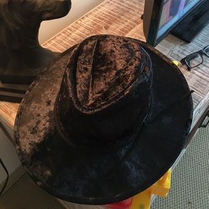 Accessories - SALE Festival velvet hat