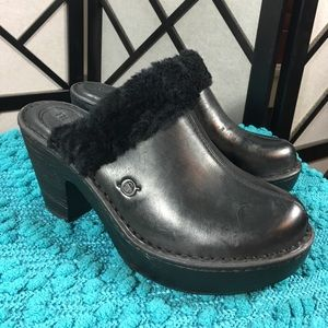 Born Shoes - Born Black Leather Clogs with Shearling New!