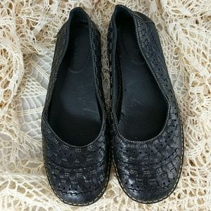 me too Shoes - Me Too della leather weave loafers slip ons 7.5