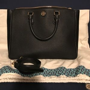 Tory Burch Handbags - Tory Burch Robinson Multi-Tote