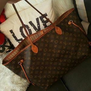 Louis Vuitton Handbags - Authentic Louis Vuitton Neverfull GM
