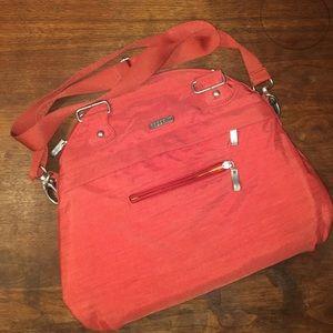 Baggallini Handbags - Baggallini burnt orange/red crossbody bag.