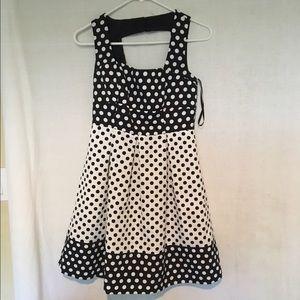 Ivy and Blu Dresses & Skirts - Ivy and Blu Polka Dot Dress Size 2