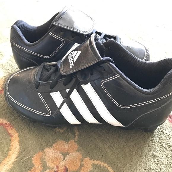 le adidas boys scarpe da baseball poshmark
