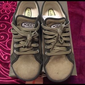 Keen Shoes - Keen Hybridlife shoes nice green worn once 9.5