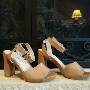Kenneth Cole  Shoes - 😎Kenneth Cole Platform Sandals😎