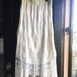 Pinky Dresses & Skirts - NWT Pinky Off-White Embroidered Lace HighLow Skirt