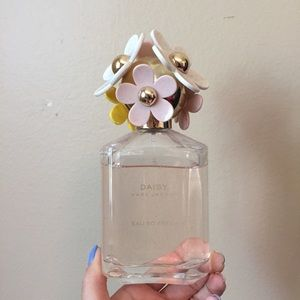 Daisy eau so fresh  marc jacobs