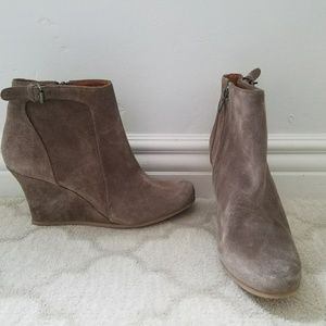 Shoes - NEW Lanvin Suede Wedges