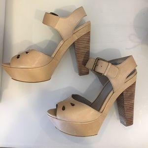 hinge Shoes - Hinge Nordstrom Platform Heels in Nude size 7
